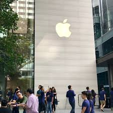 apple orchard store is finally opened in singapore great place