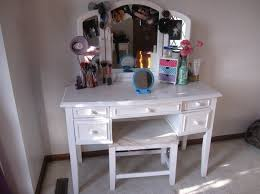 Folding Vanity Table Furniture Gorgeous White Diy Makeup Vanity Table Featuring Curvy