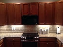 kitchen backsplash cherry cabinets kitchen backsplash cherry cabinets black counter home design ideas