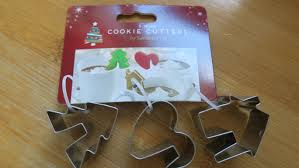 decorating gluten dairy nut and egg free christmas mug cookies