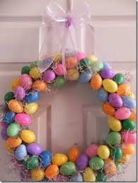 how to make an easter egg wreath 11 pretty easter wreaths to diy