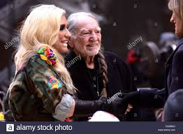 willie nelson and ke performing live on nbc s toyota thanksgiving