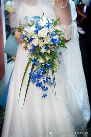 Blue Wedding Flowers A Religious Wedding On Pescatori Island On Lake Maggiore