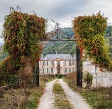 see the restoration of this gorgeous french château on instagram