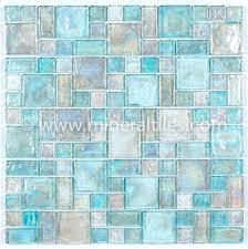 Bathroom Tiles Design Ideas For Small Bathrooms Best 10 Small Bathroom Tiles Ideas On Pinterest Bathrooms