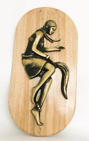 sculptures on wood unique for your home