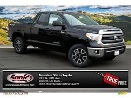 toyota tacoma vs tundra 2014 toyota tundra sr5 double cab 4x4 in black 344277 truck n