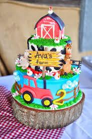 best 25 barnyard cake ideas on pinterest farm birthday cakes
