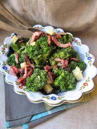 comment cuisiner le brocolis comment cuisiner des brocolis surgelés beautiful la cuisine d ici