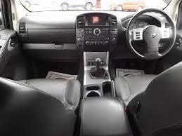 used nissan navara pickup 2 5 dci tekna double cab pickup 4dr eu5