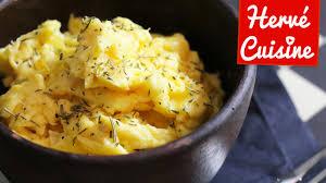 recettes hervé cuisine recette des oeufs brouillés parfaits astuce cuisine et recette