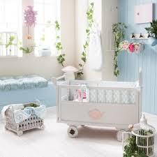 thème chambre bébé fille nos décorations de chambre bébé par thème crevette