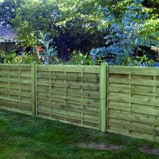 Types Of Garden Fences - what different types of fencing are available