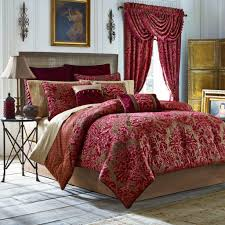 bedroom theme setting with luxury bedding sets with matching