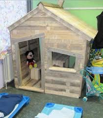 comment faire une cabane dans sa chambre comment faire une cabane avec des palettes maison design bahbe com