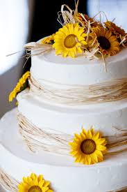 A Wedding Cake Bountiful Blooms Is It Right To Place Fresh Flowers On A Wedding