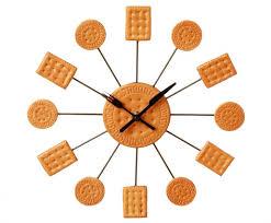horloges cuisine une cuisine à l heure avec une horloge