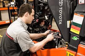Forklift Mechanic Forklift Service Repair U0026 Maintenance Prolift Industrial Equipment
