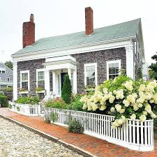 Pictures Of Cottage Style Homes Best 25 New England Cottage Ideas Only On Pinterest New England