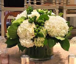 White Hydrangea Centerpiece by Best 25 Hydrangea Wedding Flower Arrangements Ideas On Pinterest