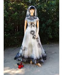 Wedding Dress Halloween Costume 35 Ghostly Haunt Couture Images Red Rose
