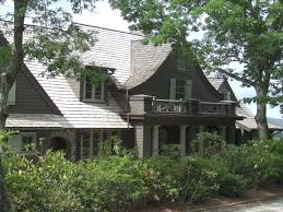 shingle style cottages 33 stunning shingle style homes to celebrate the start of summer