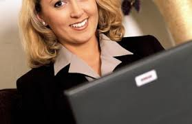 Qualities Of A Front Desk Officer Skills Qualities To Be A Desk Assistant Chron
