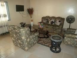 appartement 2 chambre appartement 2 chambres meublé biyem assi appartement à louer pour