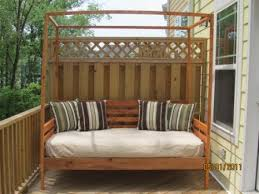 Outdoor Daybed With Canopy Diy Outdoor Daybed With Canopy White Pine Diy Projects 4