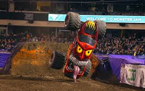 monster trucks grave digger crashes monster jam 2016 si com