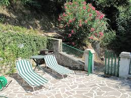 small vacation house for rent near lucca tuscany colognora