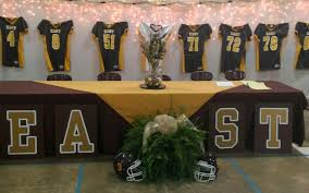 head table for football banquet banquet and decor pinterest