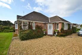 highfield road wimborne dorset bh21 3 bedroom bungalow to let