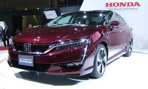 honda hydrogen car price 2017 honda clarity claims longer range than any ev car