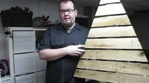 christmas tree pallet pallet up cycle challenge 2014 pallet christmas tree