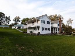 farmhouse or farm house elegantly renovated farm house homeaway callicoon center