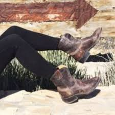 s frye boots sale 19 frye shoes frye billy distressed boots 10 from