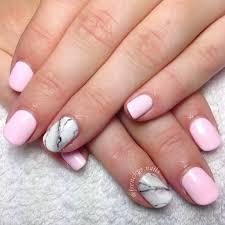 baby pink marble feature nail pretty simple gelpolish gellyfit