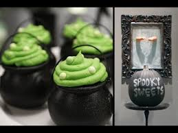 halloween party ideas cauldron cupcakes candy apples