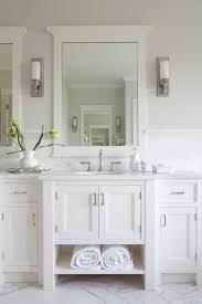 Best 25 White Master Bathroom by Best 25 Hampton Style Bathrooms Ideas On Pinterest Hamptons