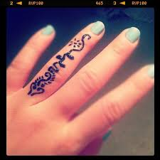 henna tattoo designs on fingers