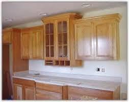 Kitchen Cabinet Crown Molding Uneven Ceiling Home Design Ideas - Kitchen cabinet crown molding ideas
