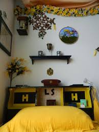 hufflepuff room decor google search hp life pinterest
