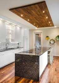 modele de plan de travail cuisine cuisine contemporaine blanche et bois inspirations avec moda le de