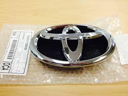 front grille emblem toyota yaris hatchback 2013 genuine oem