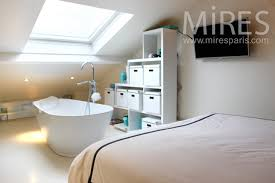 chambre avec chambre avec baignoire centrale c1143 mires