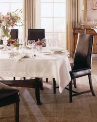 can you put a rectangle tablecloth on a round table what size tablecloth do you need for your table l v harkness