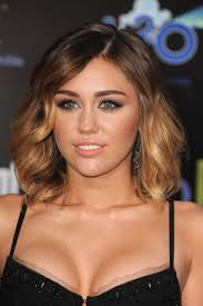 miley cyrus hunger games red carpet hair and makeup pinterest
