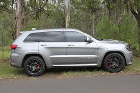 jeep srt rims file 2015 jeep grand cherokee wk2 my15 srt wagon 23408212531