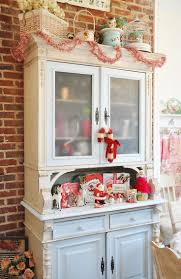 Christmas Decoration Ideas For Kitchen 39 Best Christmas Hutch Displays Images On Pinterest Christmas